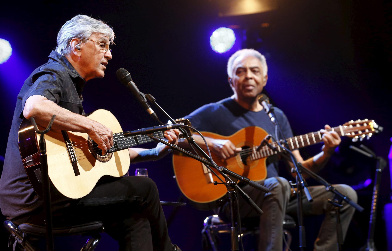A turnê internacional de Caetano Veloso e Gilberto Gil foi marcada por polêmica antes da chegada a Tel Aviv.