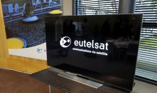 El logotipo del operador francés de satélites Eutelsat, fotografiado en la sede de la compañía en París el 9 de enero de 2015