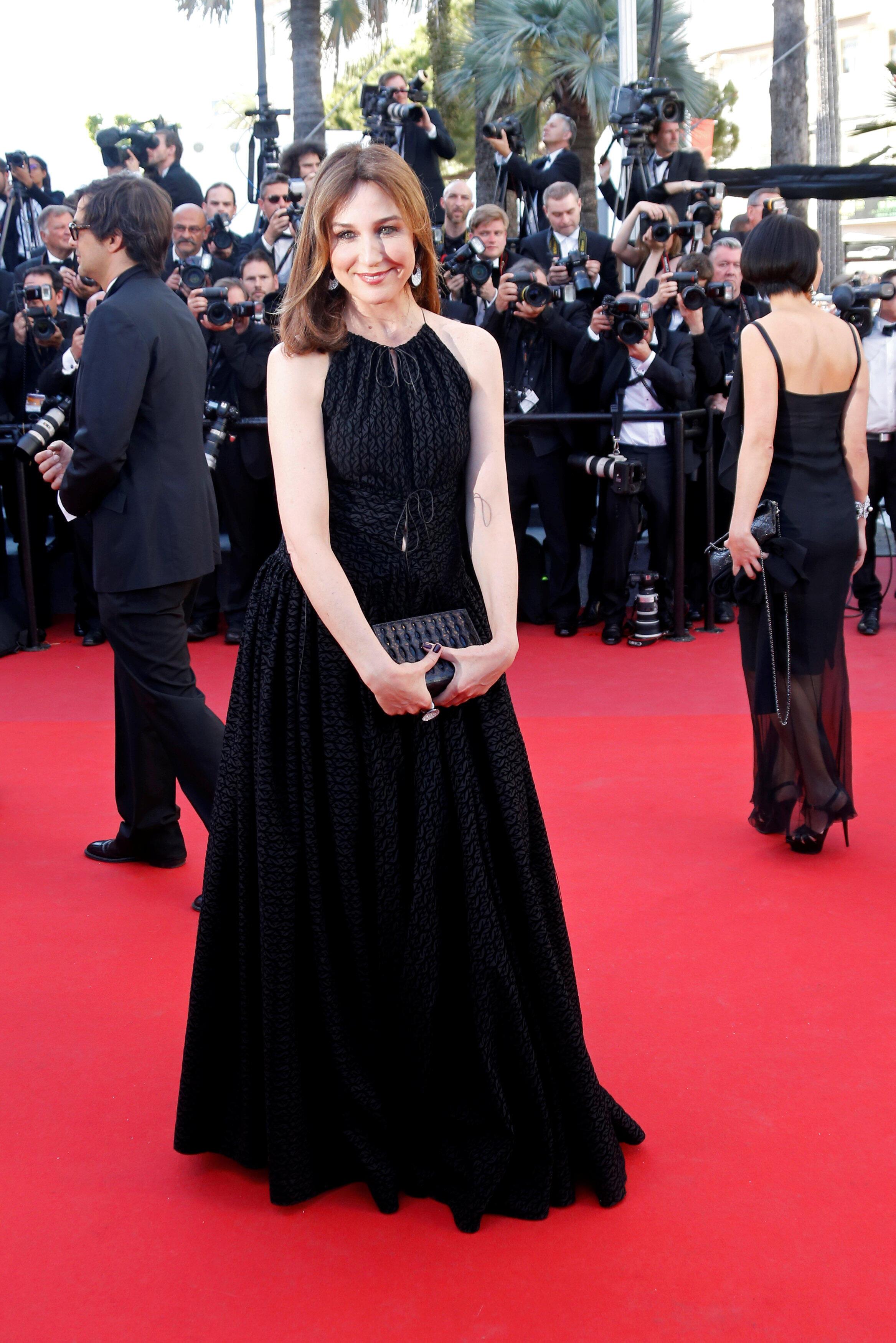 Актриса Эльза Зильберштейн, тоже в черном...