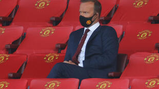 Manchester United executive vice-chairman Ed Woodward is to stand down from his role