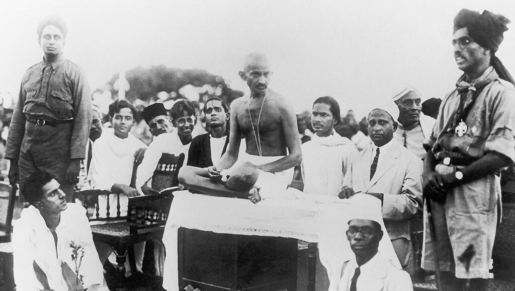 Mahatma Gandhi - lãnh tụ của con đường tranh đấu bất bạo động - tại Madras (Chennai), miền nam Ấn Độ, khoảng 1915.