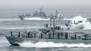 图为韩国以往黄海军事演习照片