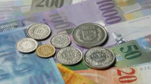 Les demandeurs d'asile en Suisse doivent remettre aux autorités tous les biens valant plus de 1000 francs suisses (913 euros) à leur arrivée sur le territoire helvétique.