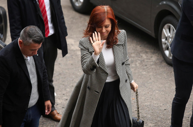 A ex-presidente da Argentina, Cristina Kirchner, pode influenciar no resultado das próximas eleições presidenciais. Seu candidato é o favorito nas pesquisas.