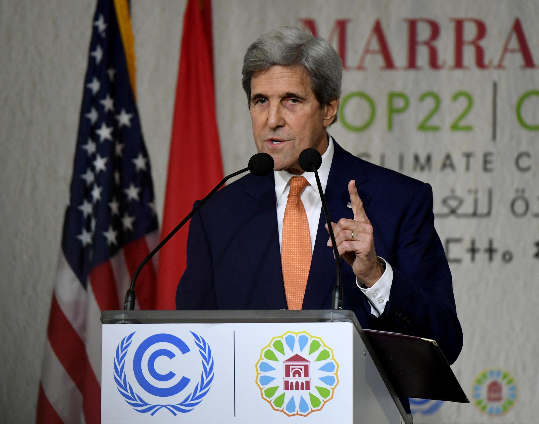 Ngoại trưởng Mỹ John Kerry kêu gọi các doanh nghiệp Mỹ tiếp tục cam kết chuyển tiếp hoạt động theo hướng bảo vệ mối trường.