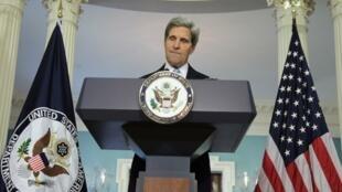 Le secrétaire d'Etat américain John Kerry en campagne pour convaincre un Congrès sceptique