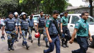Tropas de elite de Bangladesh que resgataram os reféns