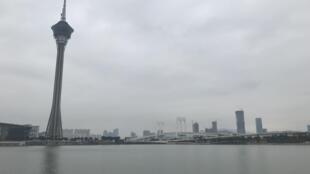 Em primeiro plano a Torre de Macau