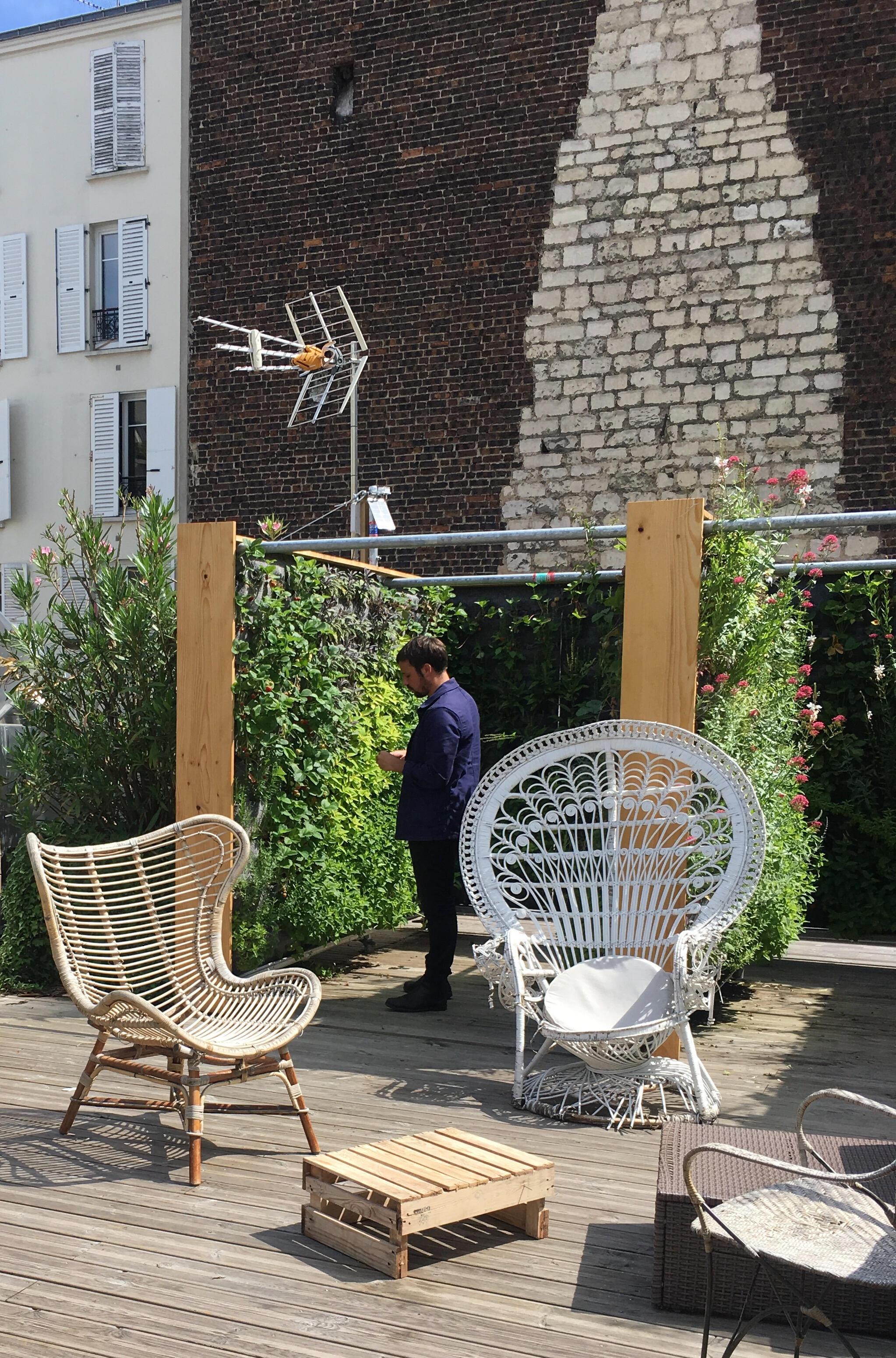 Merci Raymond es una empresa dedicada a la vegetalización en las ciudades, una nueva tendencia urbana.