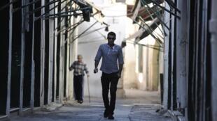 8月14日的黎波里的街道上,齋月的氣氛。