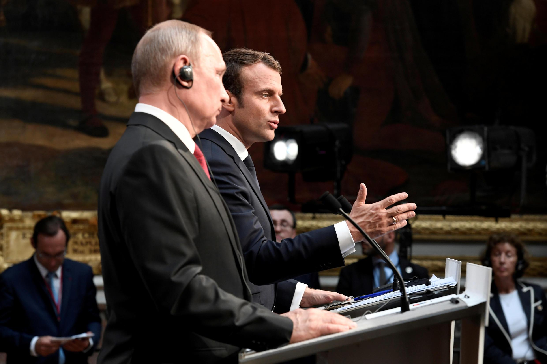 Эмманюэль Макрон и Владимир Путин на пресс-конференции в Версале, 29 мая 2017 г.