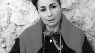 Ecrivaine française de père algérien et de mère périgourdine, Leïla Sebbar est romancière, nouvelliste  et essayiste. Elle est l'auteur d'une oeuvre abondante et profondément personnelle.
