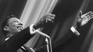 Nat King Cole en concert, dans les années 60.