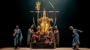 Le Vol du Boli se joue au théâtre du Châtelet les 7, 8 et 9 octobre 2020.