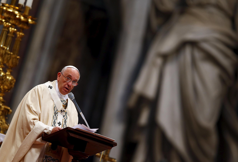 Le pape François a célébré une messe pour le 100e anniversaire du génocide arménien, le 12 avril 2015, dans la basilique Saint-Pierre de Rome.