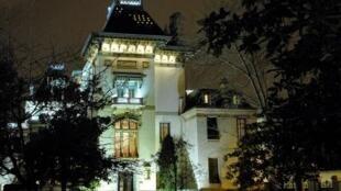 1982年成立的卢米埃尔电影博物馆,是由两兄弟的父亲在1899年修建的别墅住宅改建而来,为的是纪念卢米埃尔两兄弟为世界电影工业所作出的贡献.