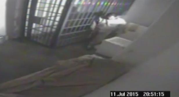 Camêra de segurança flagrou fuga do chefe do cartel de Sinaloa.