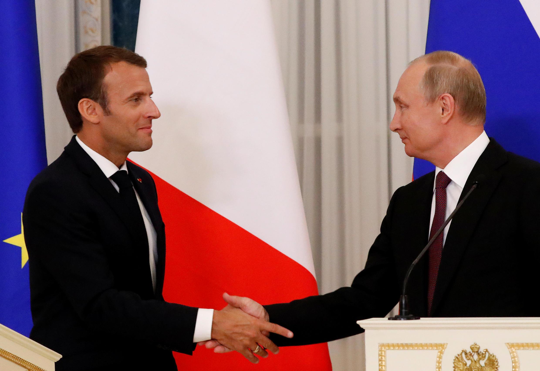 Макрон— большой любитель поговорить. Свою любовь кдолгим выступлениям французский президент продемонстрировал ивходе пресс-конференции.