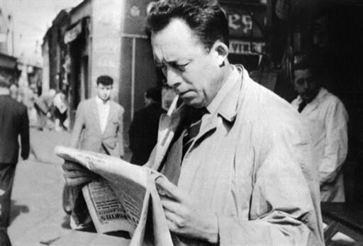Le Prix Nobel de littérature Albert Camus, photographie de 1959.