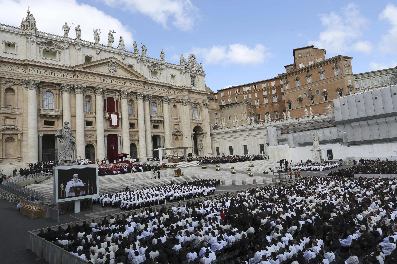 Toà thánh Vatican đã nhiều lần củng cố cơ chế kiểm soát Viện tôn giáo IOR, do các lãnh đạo bị nghi có liên quan đến các hoạt động rửa tiền (REUTERS /Alessandro Bianchi)