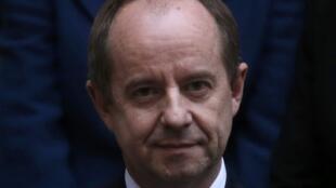 Le nouveau ministre français de la Justice, Jean-Jacques Urvoas, photographié le 27 janvier 2016 lors de sa prise de fonction.