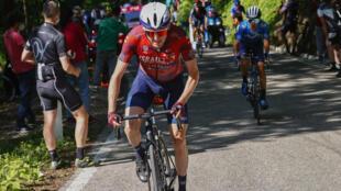 Ireland's Daniel Martin (Front) won a summit finish at Sega di Ala in the Giro d'Italia 17th stage.