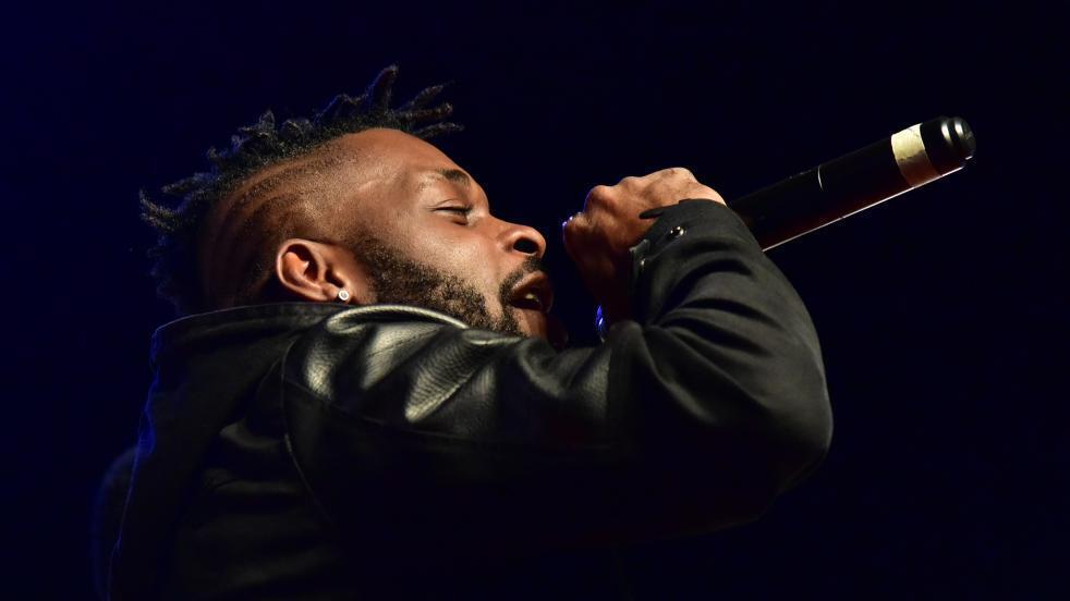 DJ Arafat katika sherehe ya Tuzo za Coupé-Décalé Abidjan Oktoba 2017.