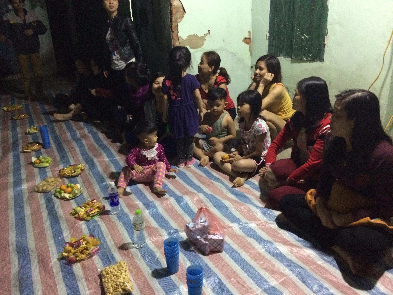 Buổi sinh hoạt về chủ đề an toàn giao thông tại nhà ông Nguyễn Văn Thơ, tp Vĩnh Yên.