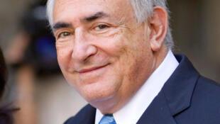 Dominique Strauss-Kahn,  à  saída  da  audiência  do dia   01/07/2011