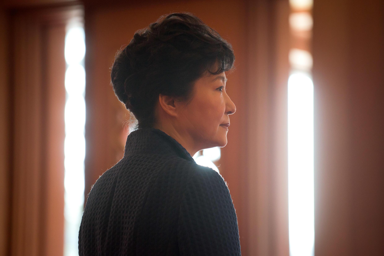 Park Geun-hye, présidente de la Corée du Sud, est fragilisée par le scandale de corruption qui touche des membres de son entourage.