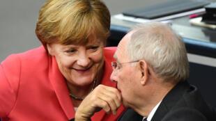 La chancelière Angela Merkel et le ministre des Finances Wolfgang Schäuble, le 17 juillet.