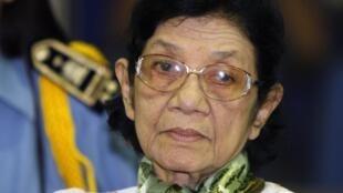 Ieng Tirith était l'épouse de Ieng Sary et la belle-soeur de Pol Pot, numéro un du régime des Khmers rouges.