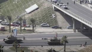 Tanks on Bahrain's Pearl Square