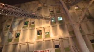 """Incêndio em prédio de trabalhores imigrantes em Boulogne-Billancourt seria um """"acerto de contas"""" entre moradores."""