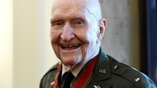 98歲的哈佛爾森在2019年的柏林封鎖紀念儀式上微笑