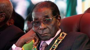 Robert Mugabe, le 18 avril 2012, à Harare, au cours d'une cérémonie marquant le 32e anniversaire de l'indépendance du Zimbabwe.