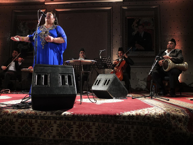 La chanteuse irakienne Farida Muhammad Ali et son orchestre le 11 mai à Fès.
