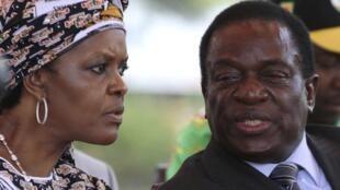 2016年2月,穆加貝妻子格蕾絲與穆加貝的副總統姆南加古瓦在一起出席本黨大會。兩人爭奪接班人之戰最終導致穆加貝完蛋。
