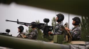 Cảnh quân đội Trung Quốc tập trận, ngày 22/07/2014..