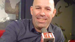 El actor y humorista cubano Soto Beltrán en RFI