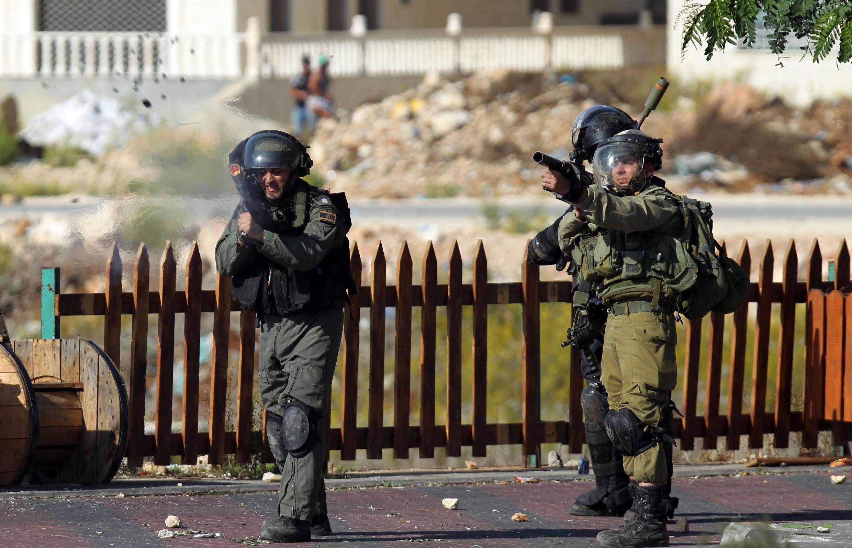 Des soldats israéliens au nord de Ramallah, le 16 octobre 2015.