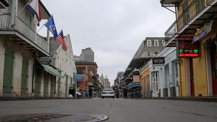 À la Nouvelle-Orléans, les rues sont désertes pour faire face à la pandémie de Covid-19.