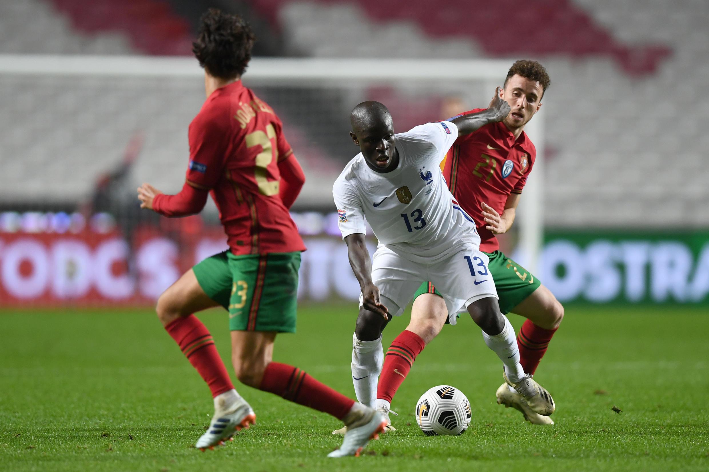 N'Golo Kanté (centro), médio francês, marcou o único tento frente a Portugal, 1-0.
