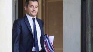Ministro do Orçamento Gérald Darmanin revelou que franceses devem pagar, em média, € 300 a menos de impostos por ano.