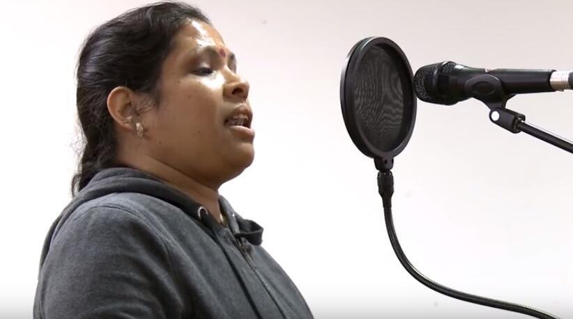 Grabaciones de cantos de migrantes en París, en el marco del proyecto 'Chansons migrantes'.