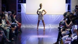 Корри Нильсен показывала свою коллекцию одной из первых. Fashion Week Paris 2014