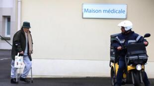 Ballancourt-sur-Essonne, au sud de Paris, compte quatre médecins généralistes, dont l'un est sur le départ.