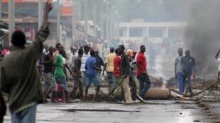 Les manifestations anti-troisième mandat se sont poursuivies mercredi 6 mai 2015 à Bujumbura.