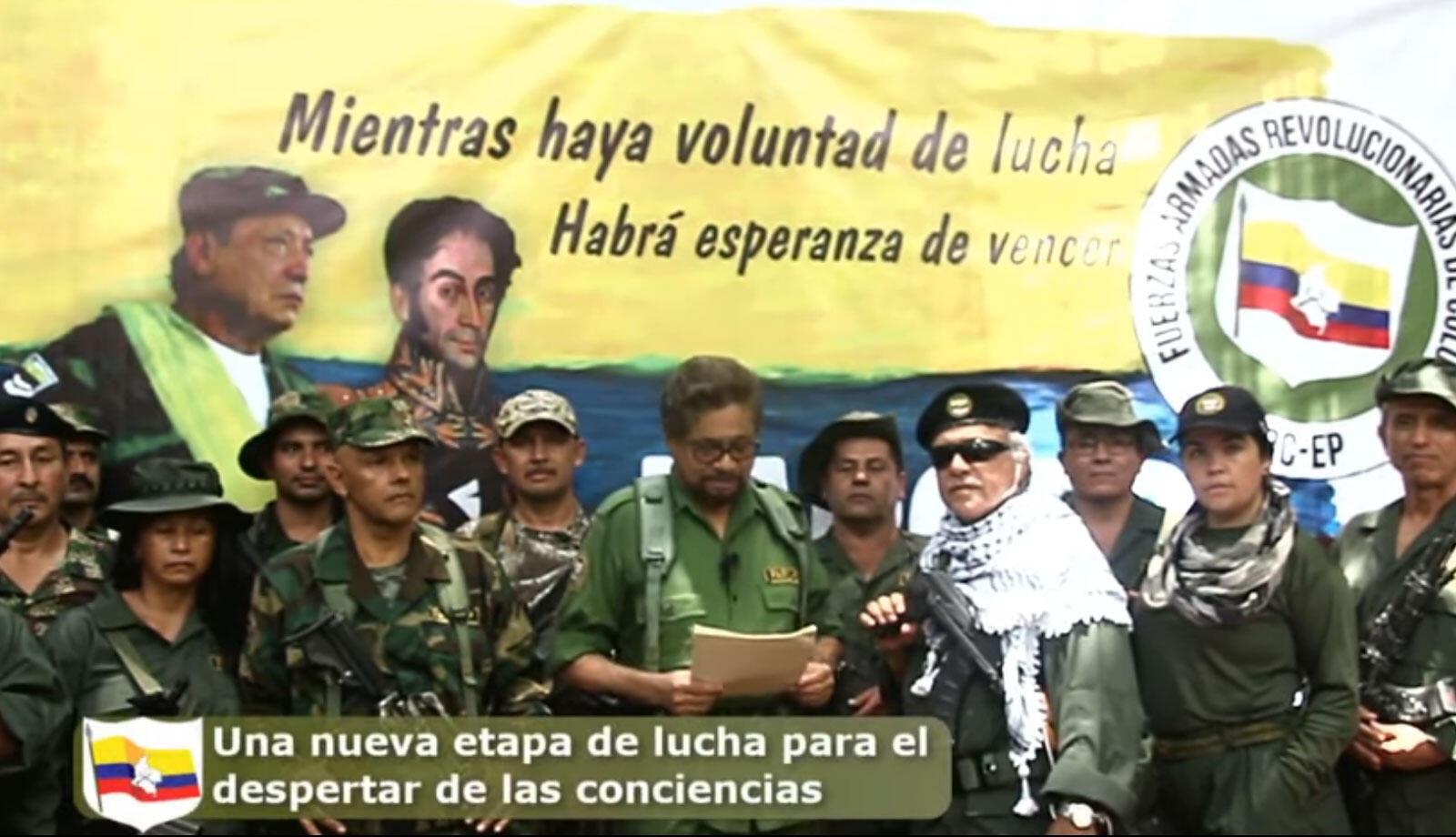 image arrêtée d'une vidéo diffusée sur youtube (www.farc-ep.info): on y voit Ivan Marquez et Jjesus Santrich