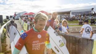 O surfista australiano Adrian Buchan chegou a surfar em Margaret River, antes da etapa ser cancelada nesta quarta-feira, 18 de abril de 2018.